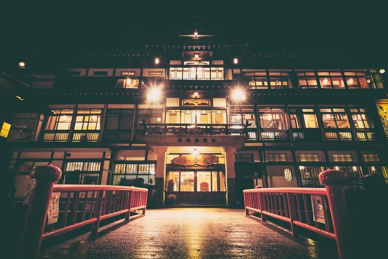 旅館業界の事業売却(M&A)時のポイントとは。旅館の譲渡方法を外部環境を踏まえて解説